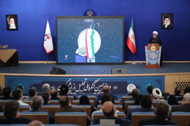 روحانی: اگر در جنگ با آمریکا امیدوارانه بایستیم، پیروز میشویم
