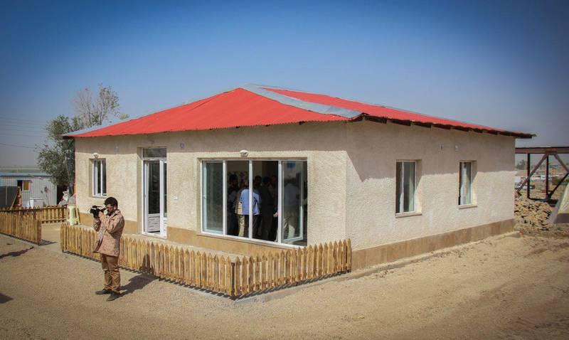 برگزاری آئین افتتاح واحدهای مسکونی زلزله زده مددجویان بهزیستی/ سفر رئیس سازمان بهزیستی کشور به شهرستان